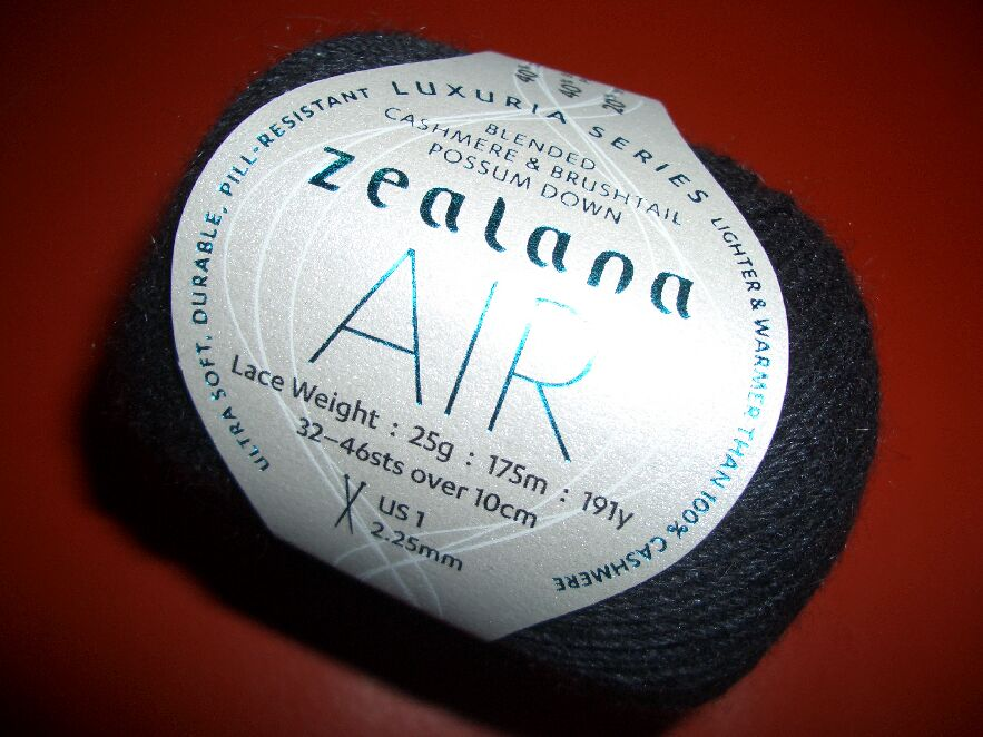 Zealana - AIR Lace Weight - Black -01 - 25gr