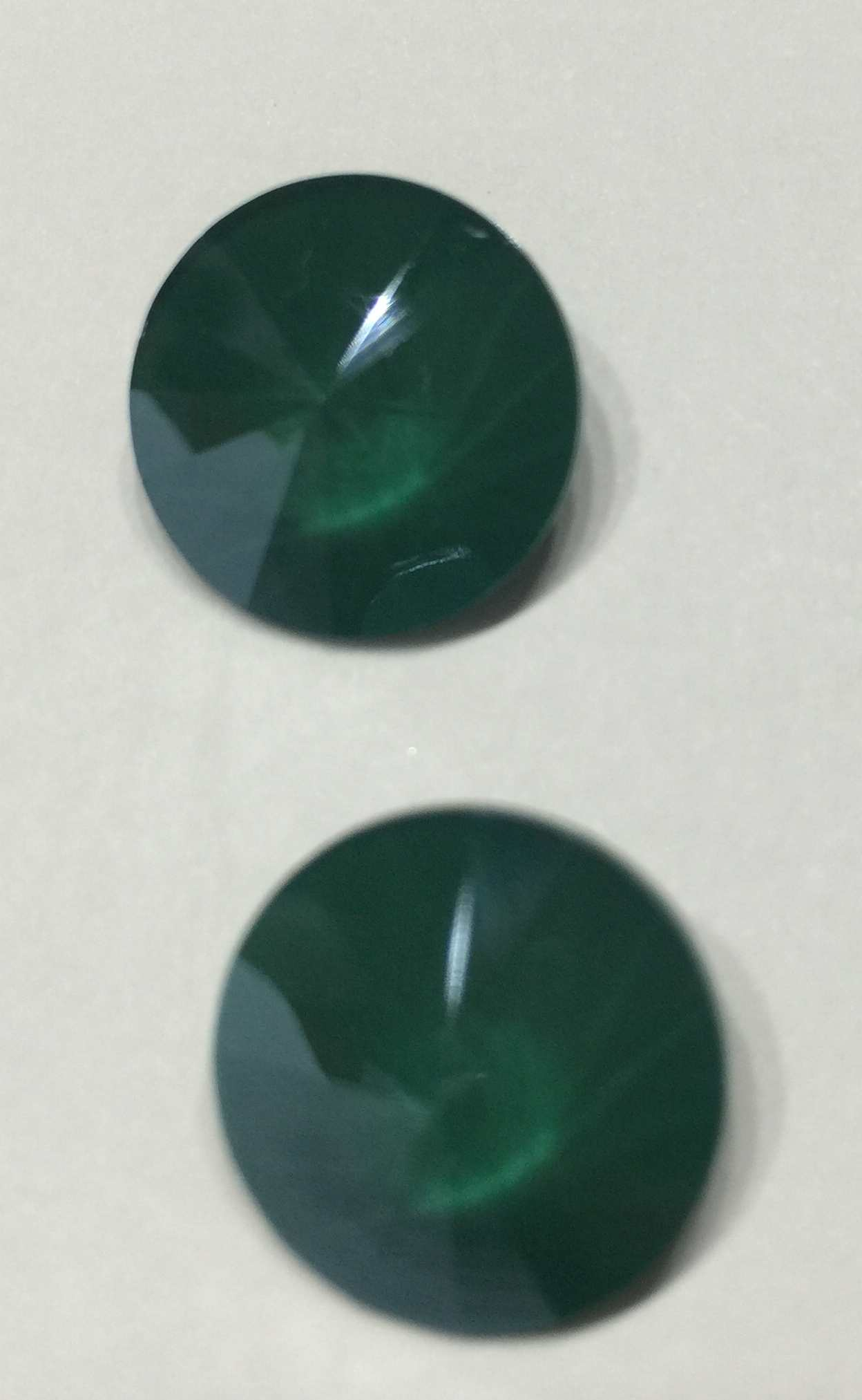 1122 - Rivoli - Cr Royal Green Shine (001) - 14mm